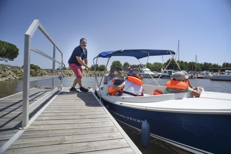 Promenade privatisée en bateau électrique - Agenda Nature du Teich
